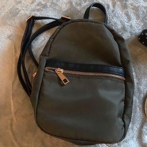 AND AWAY mini-backpack BUNDLE FREE CHOKER++